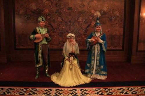 Sazgen-Sazy-in-concert-attire