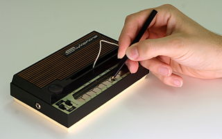 An original 1960's stylophone being played. | Photo: Wikimedia