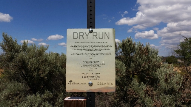 Sign for 'Dry Run.'
