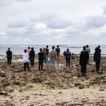Cuban and American artists, participating in 'El Acercamiento/The Approach,' on the Cuban shore looking towards Miami. | Photo: Pablo Bordon Bardo